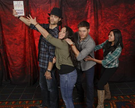 fangasm comes to comic con with supernatural giveaways