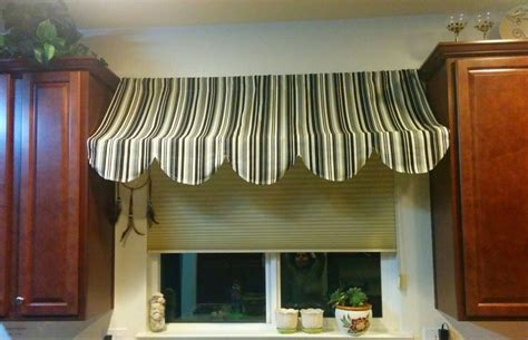 Indoor Awning Valance by 28 Best Images About Kitchen Valances On