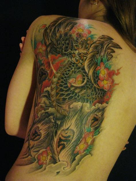 yakuza tattoo queen street cbelltown 背中 女性 抜き 桜 鳥タトゥー 刺青デザイン画像 japanese traditional tattoo