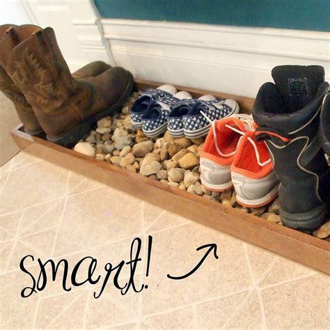 12 DIY Entryway Boot Tray Ideas ? The Family Handyman