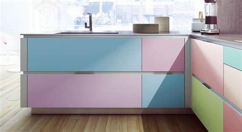 customiser cuisine en bois relooker des meubles de