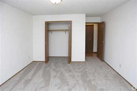 1 Bedroom Apartments In Grand Forks Nd by 2 Bedroom Apartment Grand Forks Nd 58201 Lease A Pet