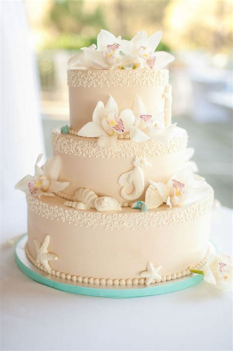 Best 25 Classic Living best 25 beach themed wedding cakes ideas on pinterest