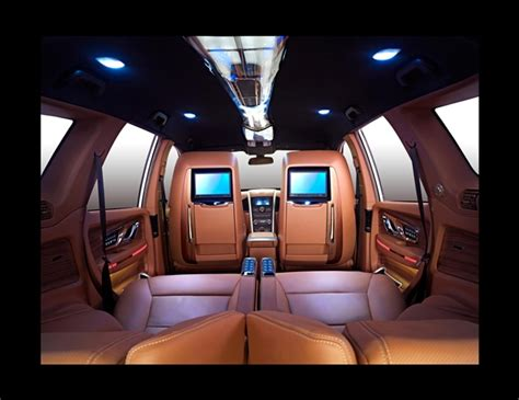 dc designs sprinkles some luxury on mahindra xuv500 and hm