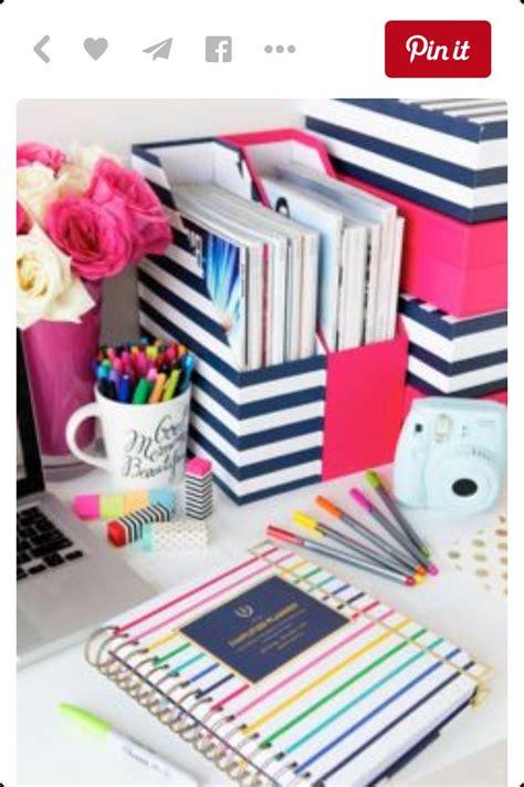 cute desks for girls 8 best bitmoji images on pinterest emoji emoticon and