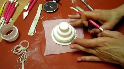 interno torta pasta di zucchero realizzare una mini wedding cake con la pasta di zucchero