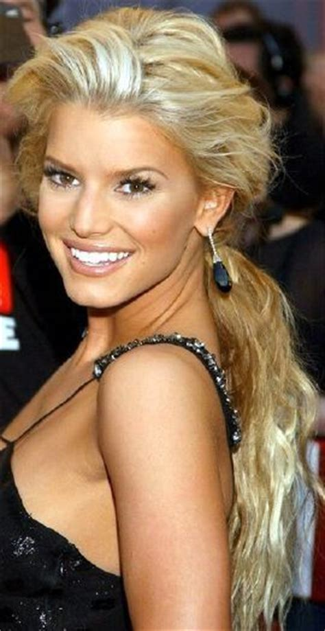perfect hair color for brown eyes must see top 15 hairstyles brown eyes blondes and makeup