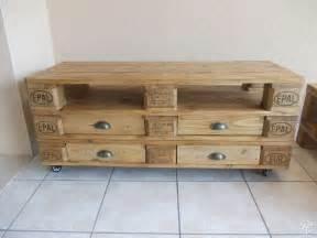 Meuble TV et table basse en palette   Home sweet Home   Pinterest   TVs et Tables