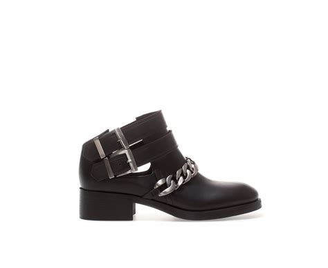 zara chelsea leather ankle boot with chain detail in black