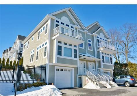 2 bedroom apartments for rent in new rochelle ny for sale town houses with 3 or more bedrooms