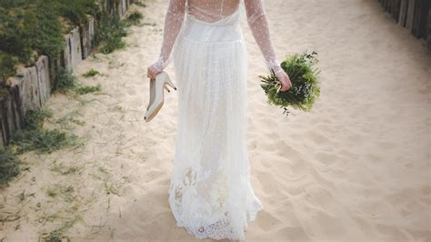 Best Beach Wedding Dresses for 2019   Wedding Ideas Magazine