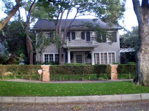 famous hollywood homes halloween the neighbors house where the murders took