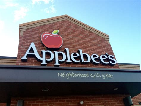 applebees hours weekly happy hour applebee s for cocktails 187 milwaukee