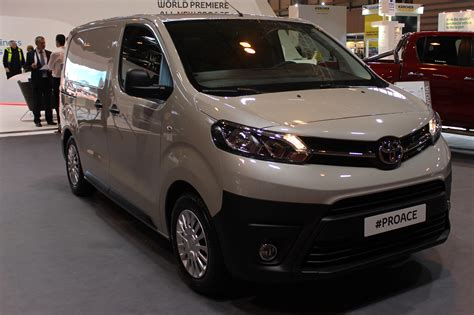 Toyota Proace Toyota Proace At The Cv Show 2016 Commercial Vehicle