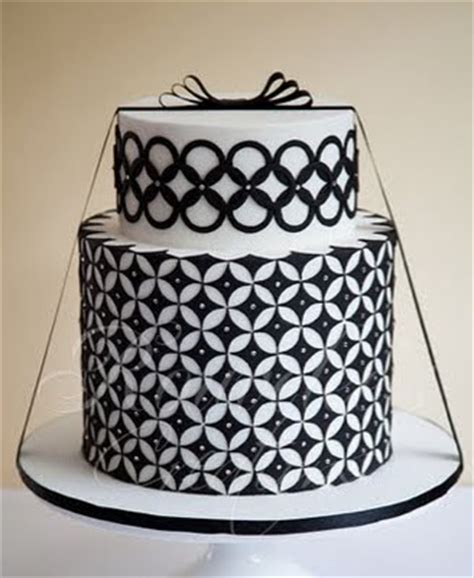 black pattern cake going art deco geometric wedding cakes by rouvelee fun