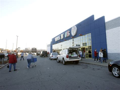 bed bath and beyond toledo bed bath beyond gives new life to toys r us gift cards