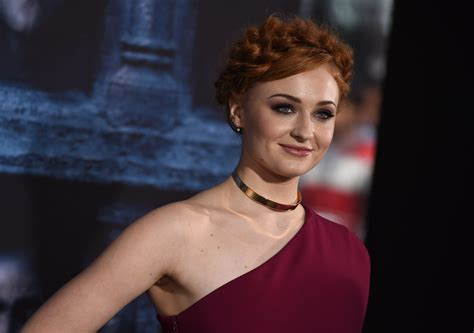 actress dyed hair red for role what the game of thrones actors look like in real life