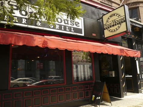 the pour house boston infinite boston the pourhouse the pour house bar grill