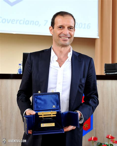 panchina d oro news massimiliano allegri vince la panchina d oro