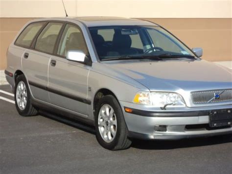purchase   volvo  wagon   miles clean  smoker  sell  reserve