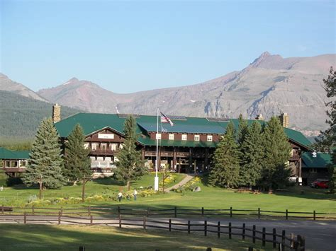 glacier inn lodging in glacier national park the of mountain pie