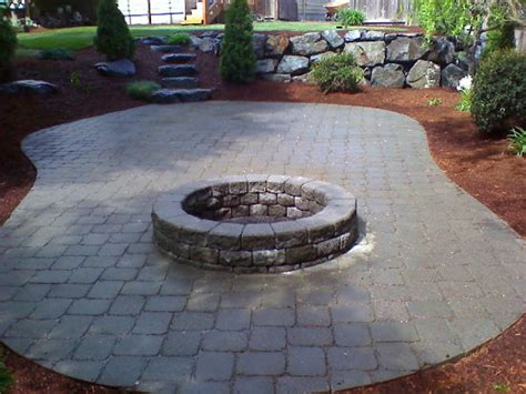 Patio Ideas Using Pavers Using Concrete Paver Patio Ideas Patio Design