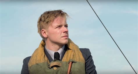 film dunkirk on tv new tv spot and featurette for christopher nolan s