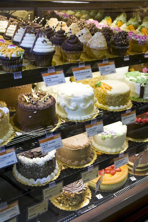whole cake tokyo pastry bakery cafe