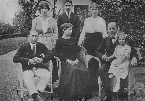 katherine johnson greek file greek royal family 1914 jpg wikipedia