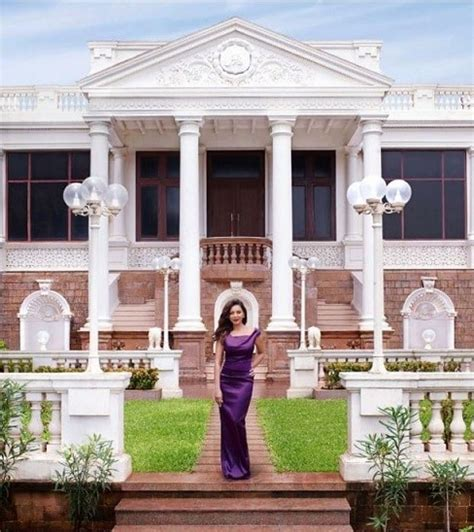 Top 10 Breathtaking Bollywood Celebrity Homes and ...