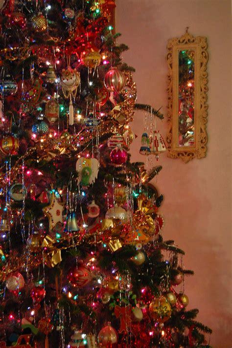 farmhouse life decorating  christmas tree