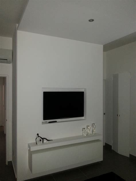 mobili in cartongesso per tv ristrutturazione appartamento idee architetti
