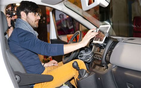 renault trafic interior renault makes new trafic an office on wheels page 2 of 2