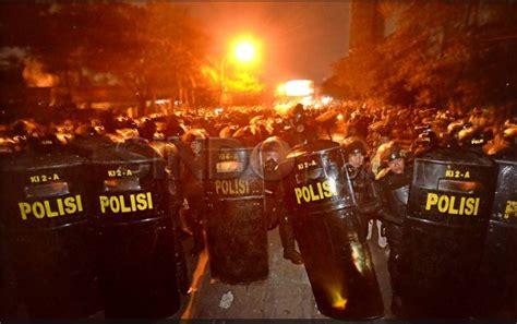 Ace Max Makassar kumpulan foto demonstrasi menentang kenaikan bbm di