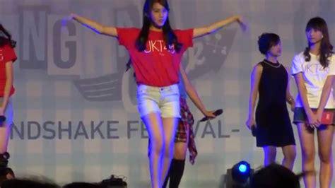 Gantungan Kunci Gingham Check Jkt48 fancam milen jkt48 at gingham check hs festival