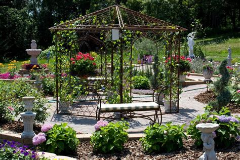 metal garden pergola a guide for buying a pergola to create coves in