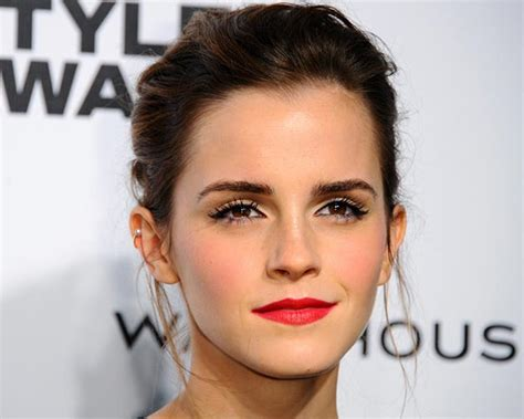 emma watson favorite color emma watson s best hairstyles and hair colors for your