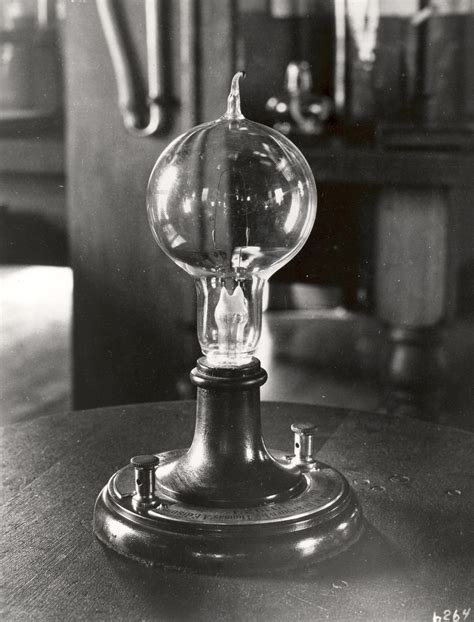 Who Invented Led Light Bulbs Corning Invented The Glass Bulb For Edison S