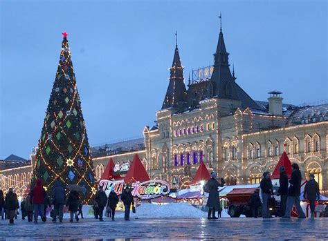 images of christmas in russia 15 photos showing how is celebrated around the world mic