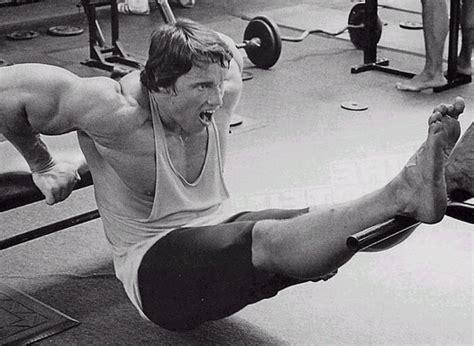 arnold schwarzenegger bench arnold schwarzenegger the greatest bodybuilder ever