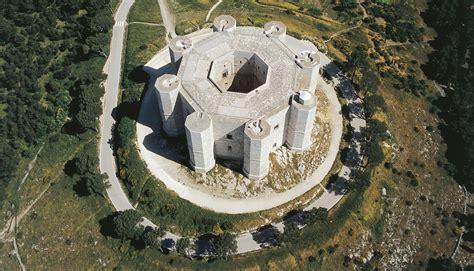 castel del monte architecture