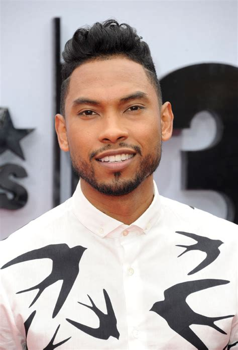 how to have hair like miguel the singer the pompadour bruno mars 5 other men who rock it