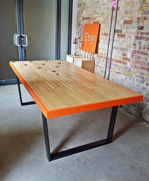 Diy Conference Table Diy Industrial Pallet Conference Table 101 Pallets