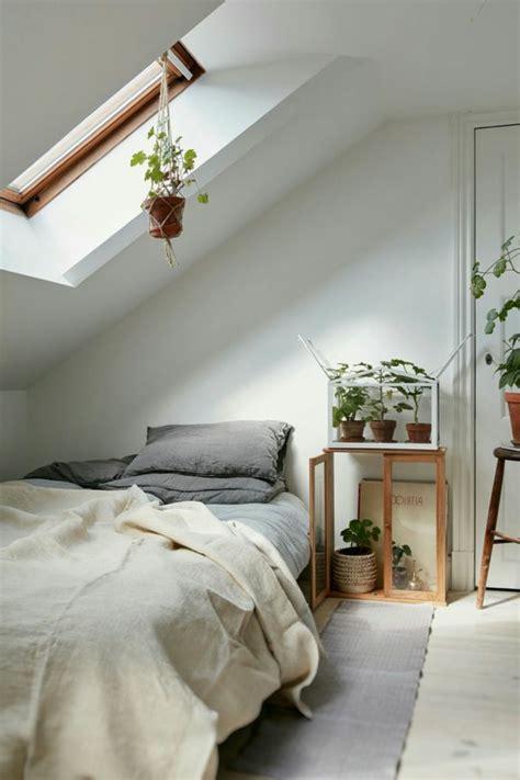 peinture chambre mansard馥 lit pour chambre mansarde chambre mansarde avantages et