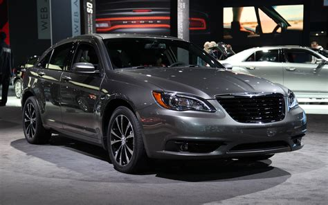 2011 Chrysler 200 S Review by 2011 Chrysler 200 Reviews Pictures And Prices Us News