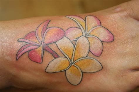 small plumeria tattoo plumeria flower pictures to pin on