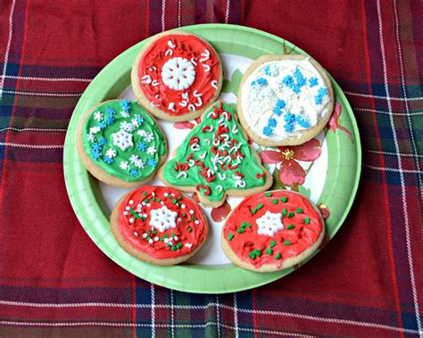 easy decorated christmas cookies with betty crocker sugar