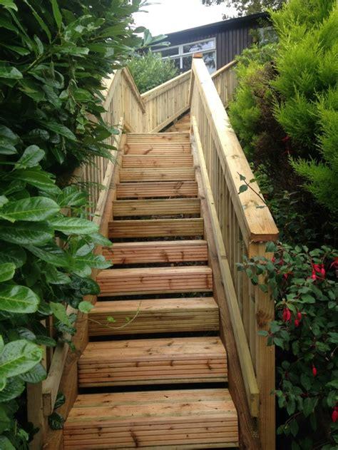 treppe bauen garten gartentreppe holz gartenideen mit treppen