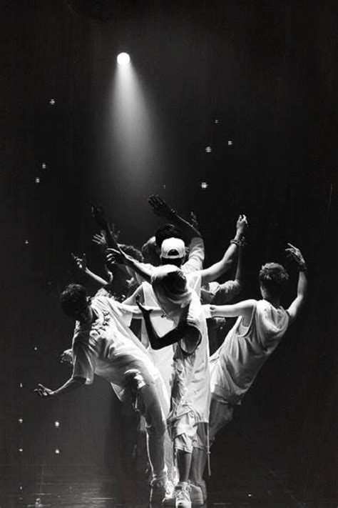 exo iphone wallpaper wolf exo wolf tree exo pinterest trees wolves and tree