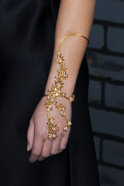 emma watson necklace emma watson jewelry looks stylebistro